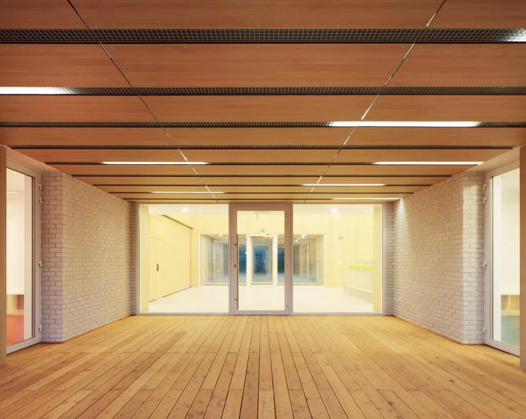 建筑-波兰第一零排放ballbet贝博app下载12.jpg